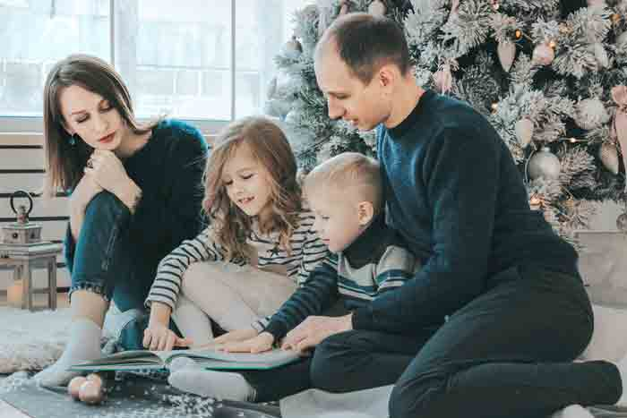 Describe a family which you like and are happy to know IELTS cue card